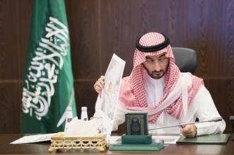 نائب أمير مكة يناقش سبل تطوير وتجويد خدمات ضيوف الرحمن - المواطن