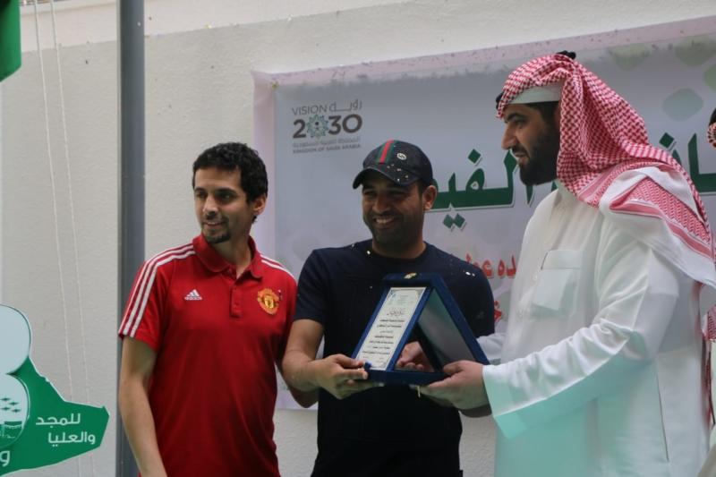 ثانوية الفيصل بالرياض تختتم بطولة الوطن للكرة بحضور عطيف وأحمد أشرف - المواطن