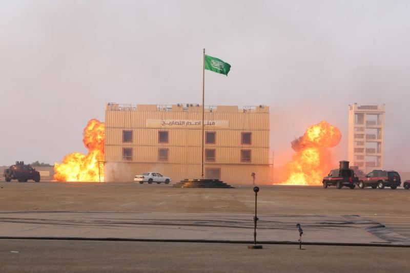 عرض عسكري و3 فرضيات لـ1121 خريجًا في دورة أمن وحراسة المنشآت - المواطن