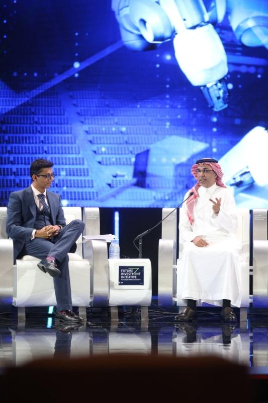 الناصر يدعو لتشجيع الابتكار والاستثمار لتسريع التحول الرقمي