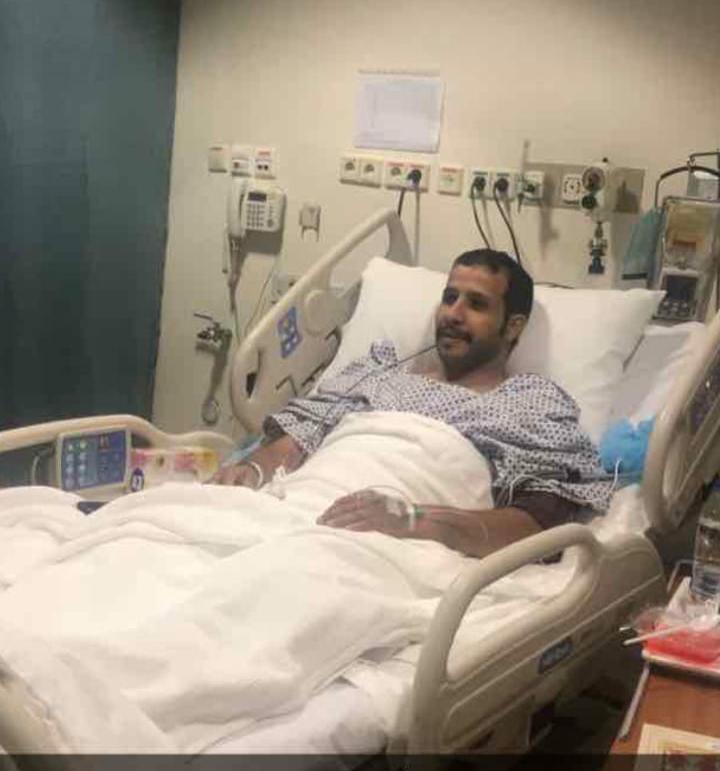 قصة تضحية.. 10 سنوات من المعاناة تنتهي بتبرع محمد بكليته لأخيه في جدة - المواطن