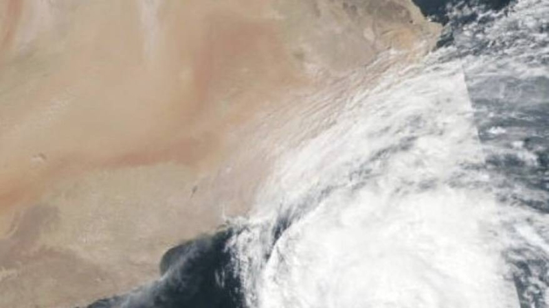 تحذير من أمطار غزيرة على عدة مناطق بسبب العاصفة لبان