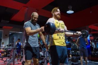 شاهد.. أبطال WWE بمركز وقت اللياقة بالرياض - المواطن