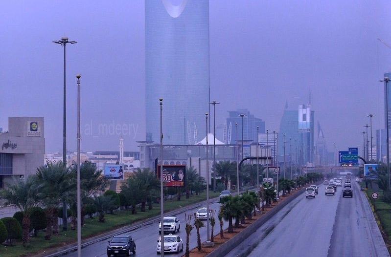 مدني الرياض يحذر: تجنبوا الأماكن المكشوفة وابتعدوا عن التوصيلات الكهربائية