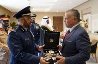 صور.. ملك الأردن يقلد رئيس الأركان السعودي وسام الاستحقاق العسكري من الدرجة الأولى - المواطن