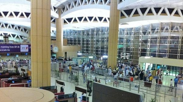 مطار الملك خالد: جميع المرافق تعمل على نحو طبيعي