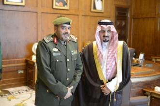 أمير عسير يقلد العميد ابن عارم رتبته الجديدة - المواطن