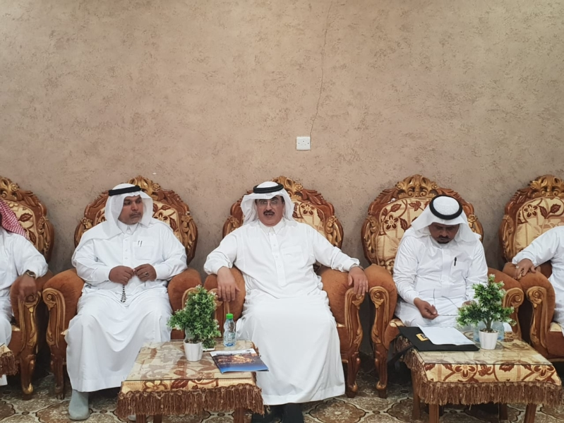 صور.. محافظ المجاردة يطالب بتطوير مهرجان العسل الكبير وشارع الفن