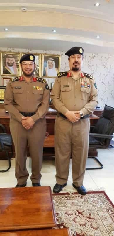 مدير مدني عسير يقلد العميد عبدالله الشهري رتبته الجديدة - المواطن