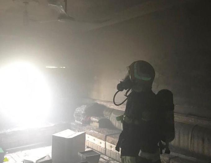 صور.. التماس كهربائي يحرق منزلًا في محايل