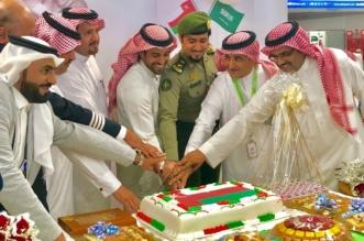 صور.. مطار أبها يحتفل باليوم الوطني لسلطنة عمان بالهدايا والورود وأوبريت - المواطن
