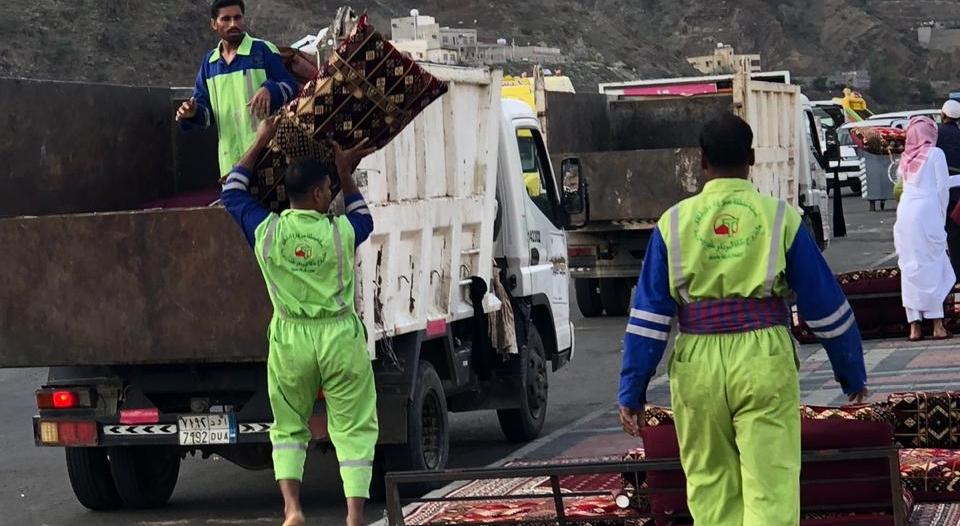 فيديو وصور.. سقوط 35 مخالفًا بعقبة ضلع يؤجرون الجلسات للمتنزهين
