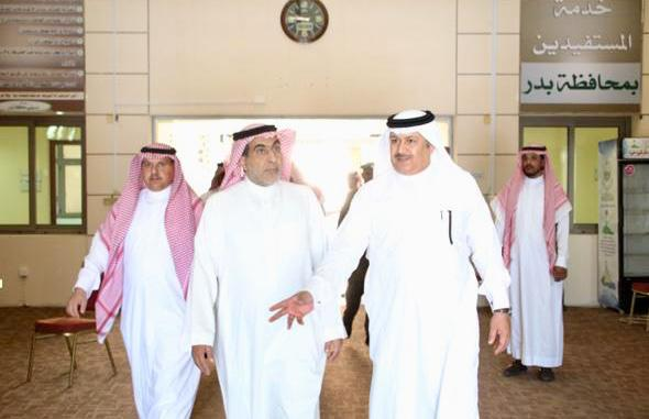 مستشار أمير المدينة المنورة ومحافظ بدر يبحثان احتياجات المحافظة - المواطن