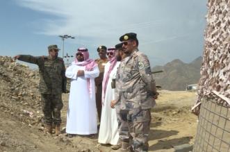 تركي بن طلال ومحمد بن عبدالعزيز يجتمعان مع القيادات الأمنية على الحد الجنوبي - المواطن