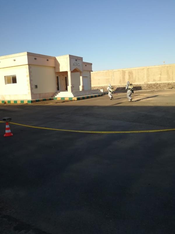 صور.. السيطرة على حادث التماس في مكتب خدمات المياه بينبع - المواطن