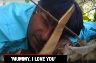 فيديو.. صحفي يواجه الموت يوثق لحظاته الأخيرة ويوجه رسالة لأمه - المواطن