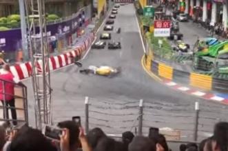 فيديو مروع .. سيارة سباق تطير وتصدم الجماهير - المواطن