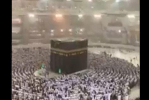 صلاة الفجر مكة