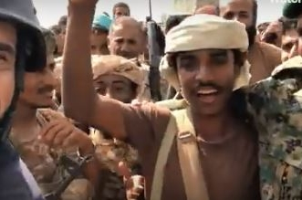فيديو.. جندي يمني أبكم لا يجيد سوى لغة الرصاص ردًا على جرائم الحوثيين - المواطن