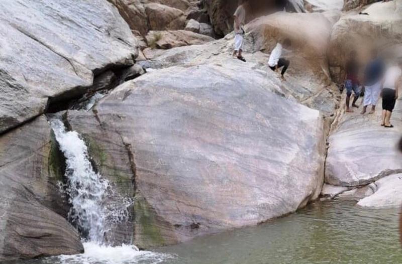 وفاة شاب غرقًا بتجمع مياه صخري بمكة