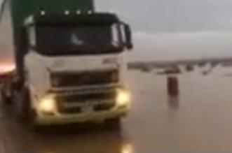 فيديو.. الشدادي بطل واقعة إنقاذ سائق شاحنة القصيم يروي تفاصيل الحادث - المواطن