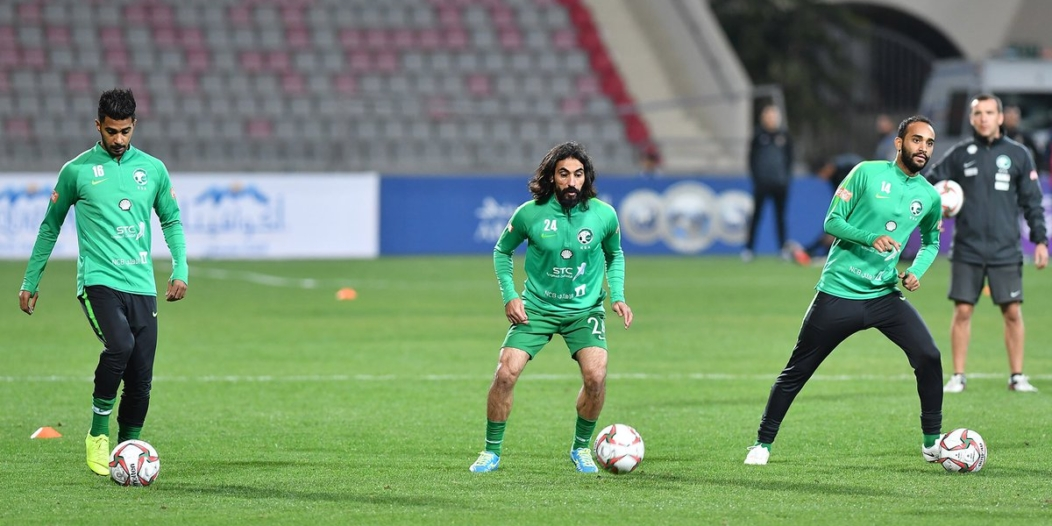 حسين عبدالغني .. أيقونة شارك أكثر من مرة أمام 6 منتخبات