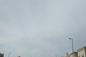 سماء المدينة ملبدة بالغيوم رغم انتهاء الإنذار الأحمر - المواطن