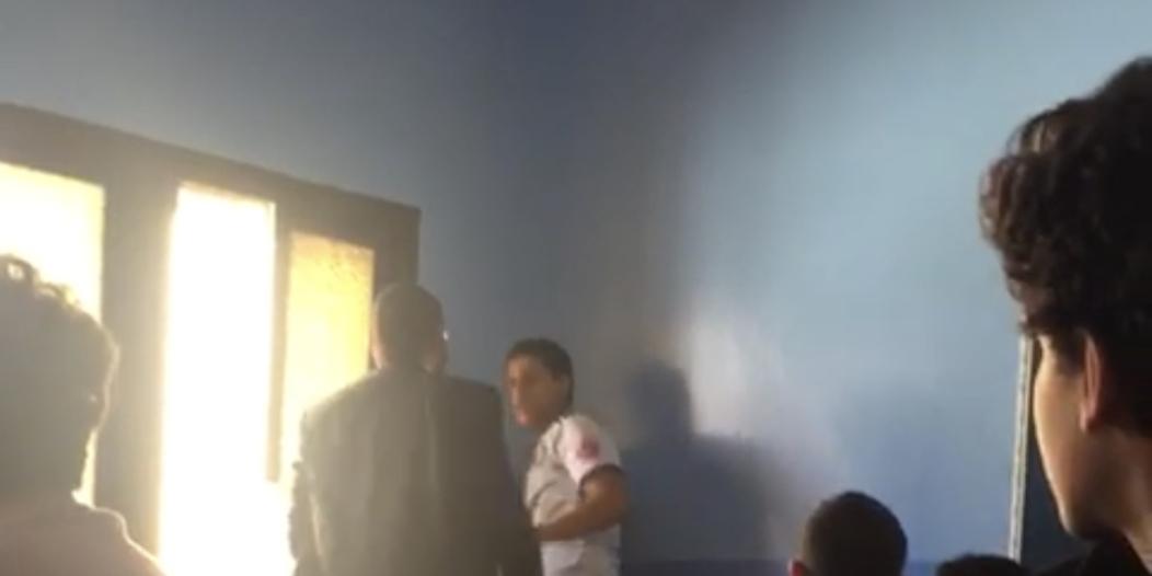 أمير عسير يعتمد الإجراءات المُتخذة من التعليم بحق المعلم المُعتدي على الطالب