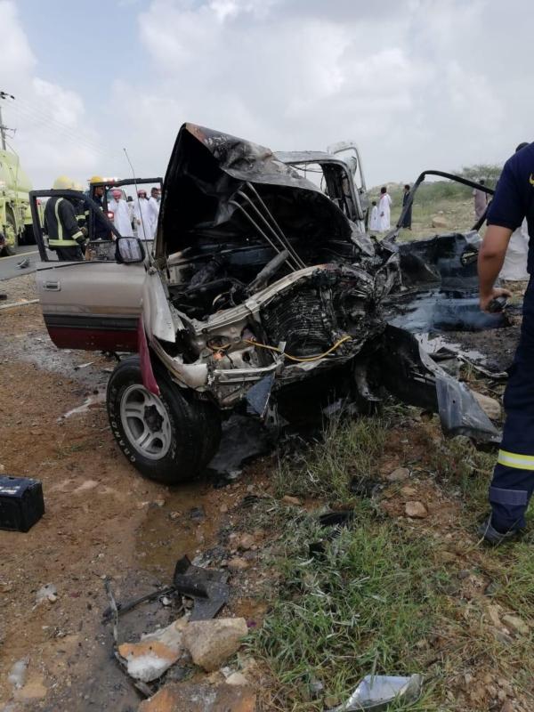 صور.. تصادم على طريق الخوبة – العارضة يقتل طالبين ويصيب 11 آخرين