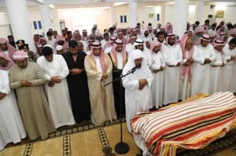 صور.. مشهد مهيب في تشييع الشهيد السلامي بدرب جازان - المواطن