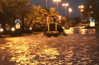 بالفيديو والصور.. أمطار قياسية تعلق العمل والدراسة في الكويت - المواطن