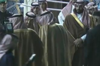فيديو.. أمير حائل يقدم الهدايا التذكارية للملك وولي العهد - المواطن