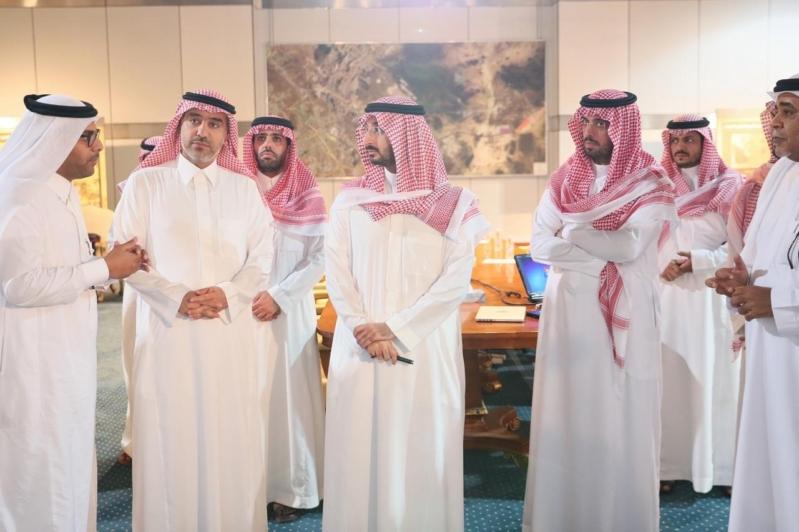 بمساحة 3 آلاف كم2 .. عبدالله بن بندر يتفقد مقر مراس جدة