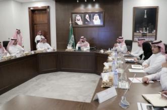 عبدالله بن بندر يطلع على ملامح تطوير إمارات المناطق - المواطن