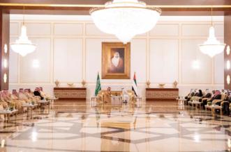 ولي العهد ومحمد بن زايد يبحثان أوجه العلاقات وتبادل وجهات النظر حول المستجدات - المواطن