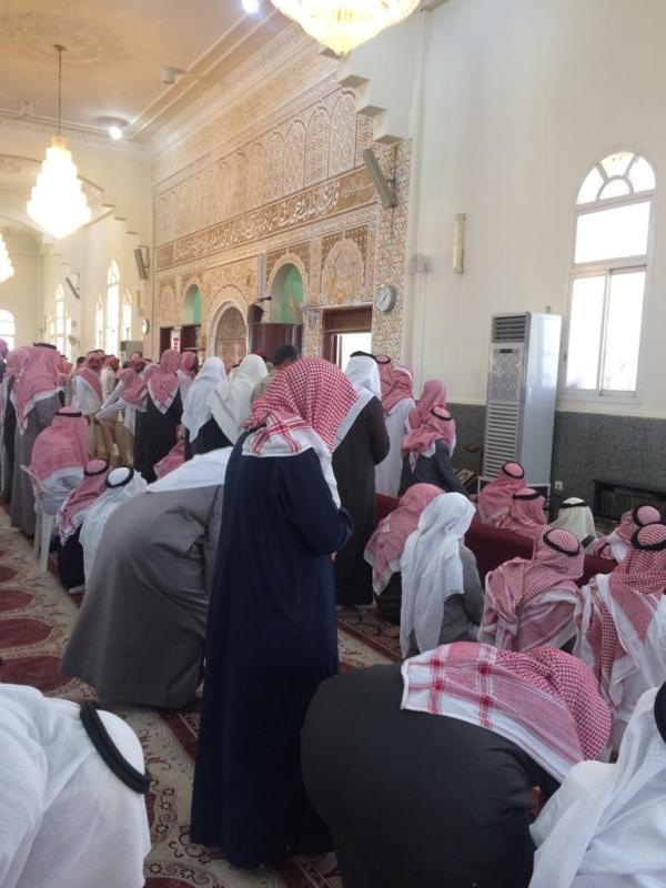 فيديو وصور.. مشهد مهيب لحظة تشييع الشهيد آل شيبان - المواطن