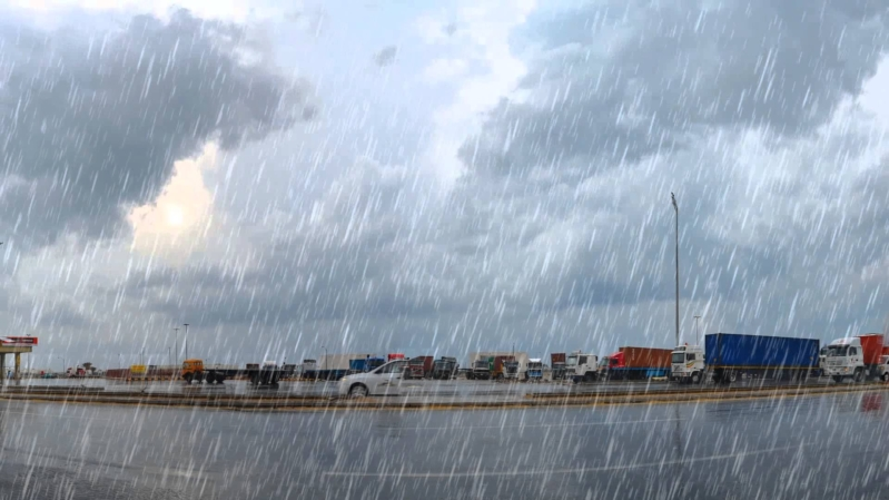 الفوزان يوضح دعاء المطر إذا كثر وخيف من الضرر