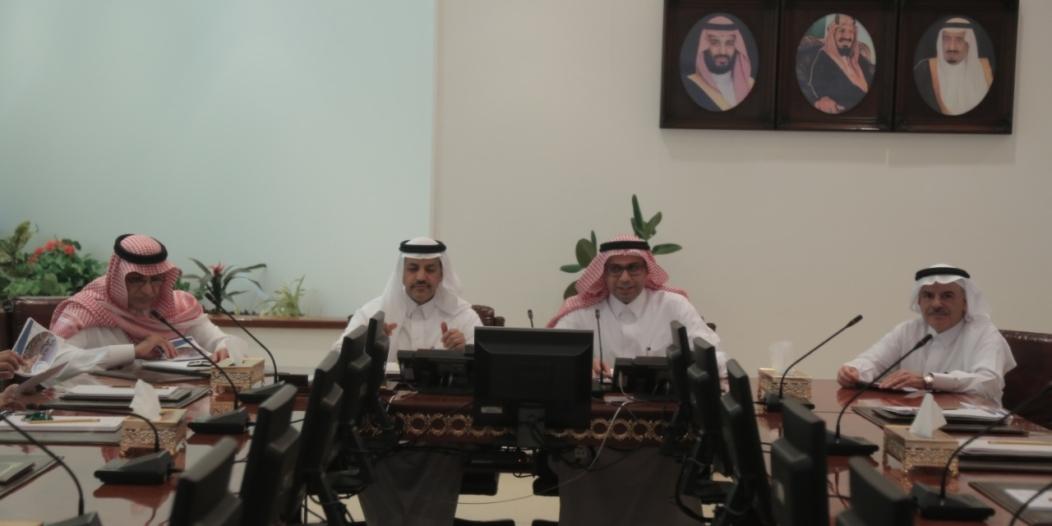 لجنة النقل بالشورى تطلع على مرافق وإمكانات ميناء جدة الإسلامي