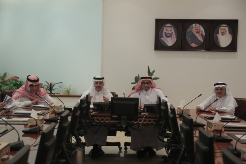 لجنة النقل بالشورى تطلع على مرافق وإمكانات ميناء جدة الإسلامي - المواطن