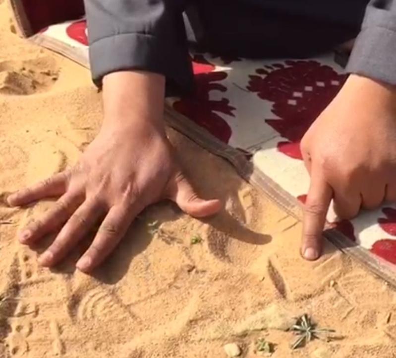الزعاق: تحديد وقت الصلاة بشبر اليد خاطئ.. وهذا طريقة حساب الظل