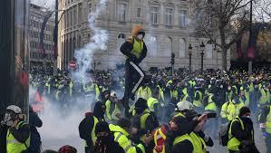 السترات الصفراء تتمسك بمطالبها وترفض خطاب ماكرون - المواطن
