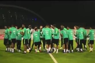 فيديو.. لاعبو الأخضر يرحبون بالنجوم الجدد - المواطن