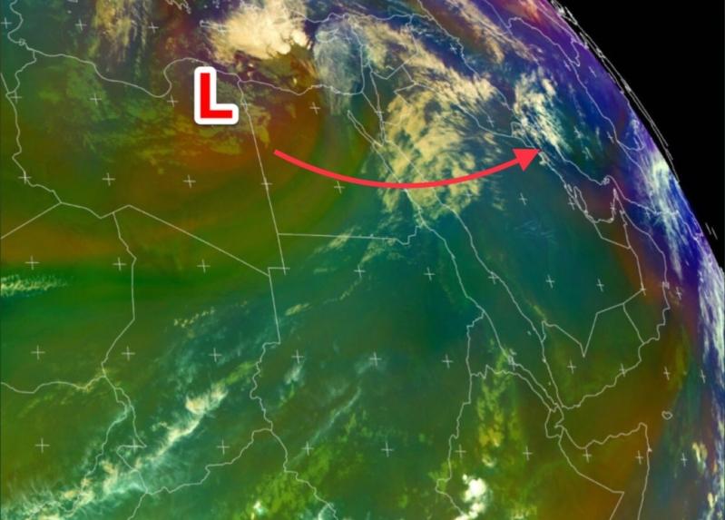 منخفض جوي محمل بالأمطار الغزيرة يصل المملكة خلال ساعات