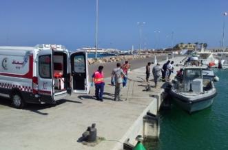 صور.. إنقاذ صيادين غرق قاربهما قرب جزر فرسان - المواطن