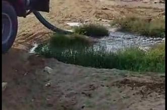 """فيديو.. تفريغ مياه الصرف في بحر جازان وحماية البيئة ترد عبر """"المواطن"""" - المواطن"""