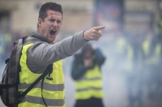 صور.. #السترات_الصفراء تبدأ جولتها الرابعة بفرنسا واعتقال 10 متظاهرين - المواطن