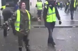 فيديو.. فرنسية للشرطة: تعالوا واقتلوني.. لا تخربوا باريس مثلما خرب العرب أوطانهم - المواطن