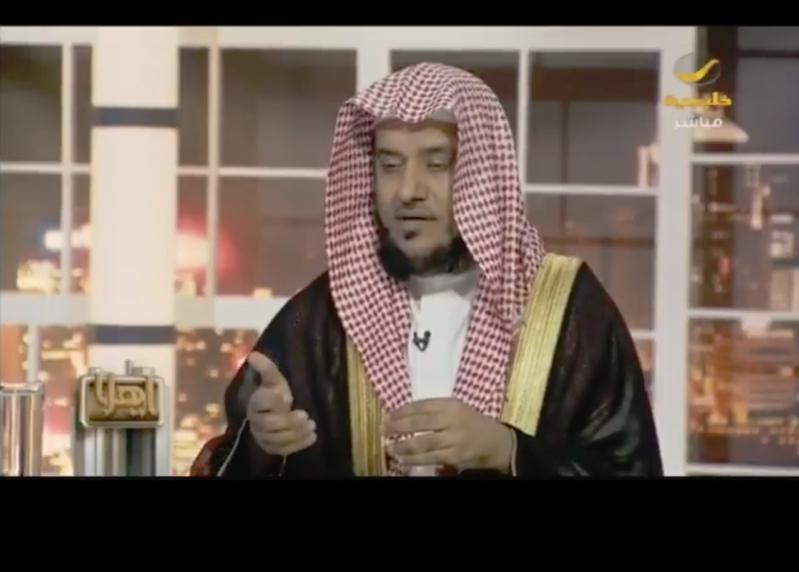 أستاذ فقه بجامعة الإمام: الاحتفال بأعياد غير المسلمين تشبه بالكفار