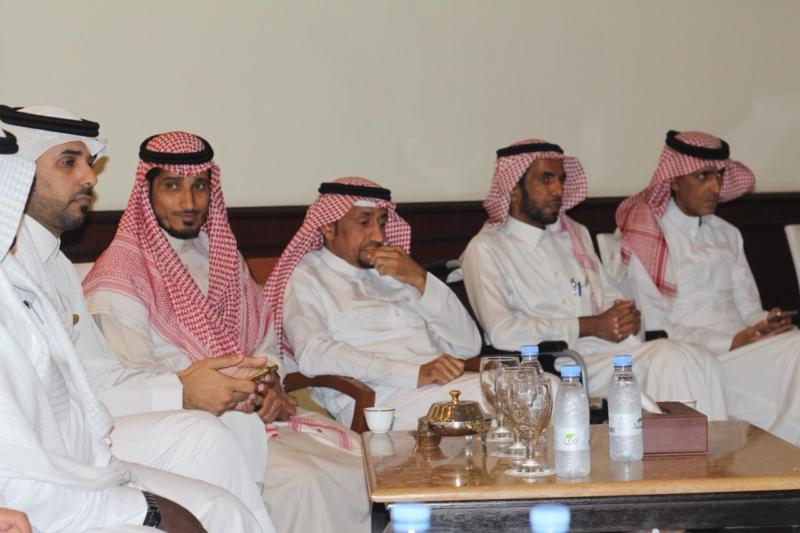 صور.. بلدي جازان يستمع لمطالب الأهالي وشكواهم دون حواجز - المواطن