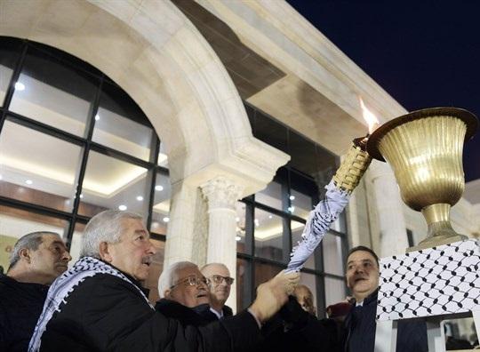 محمود عباس : لن نسمح ببيع القدس لإسرائيل
